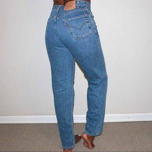 Levi's Jeans - Levi's Vintage 550 High Waist Classic Mom Jeans